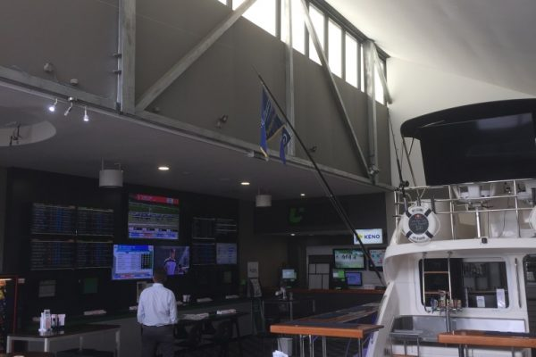 Airius Q50EC cooling the Boathouse Tavern Coomera QLD